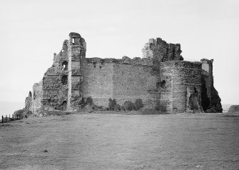 North Berwick, Tantallon Castle. General view from West. Digital image of EL 1286.