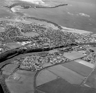 Thurso and Scrabster, oblique aerial view, taken from the SE.