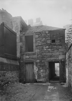 General view of Hangman's House at No 140 Cowgate before demolition