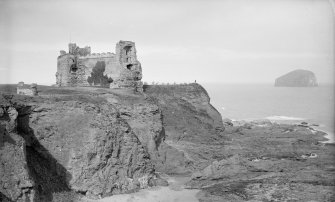 View of Tantallon Castle from E.