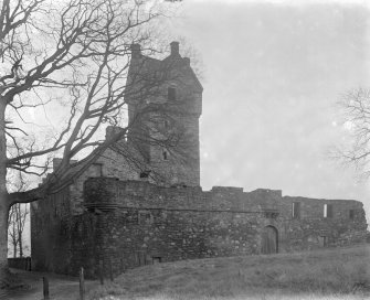 Dundee, Caird Park, Mains Castle. General view.
