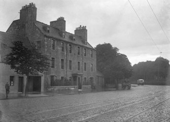 General view of nos 1, 3, 5, High Street, Musselburgh, from SW.
