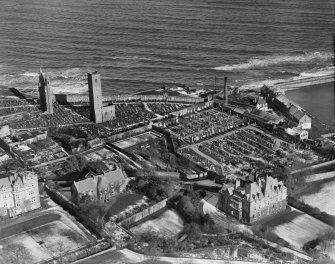 St Andrews, general view, showing St Andrews Cathedral and Priory site.  Oblique aerial photograph taken facing north-east.