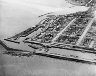 Lossiemouth, general view, showing Harbour and Marina Quay.  Oblique aerial photograph taken facing south.
