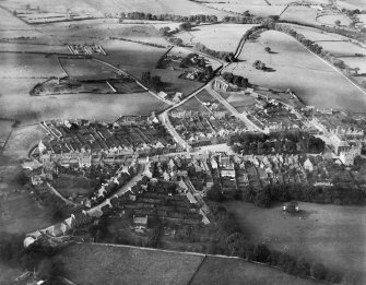 Wigtown, general view, showing The Square and High Vennel.  Oblique aerial photograph taken facing north.