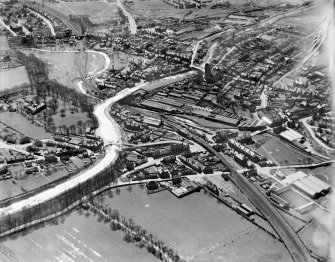 Kirkintilloch, general view, showing Forth and Clyde Canal and St Mary's Parish Church, Cowgate.  Oblique aerial photograph taken facing south.