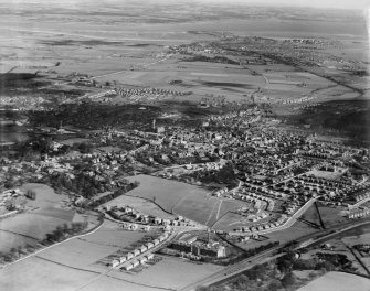 Falkirk, general view, showing Maggie Wood's Loan and Grangemouth.  Oblique aerial photograph taken facing east.