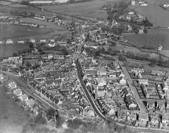 West Kilbride, general view, showing Ritchie Street and St Andrews Church, Main Street.  Oblique aerial photograph taken facing east.