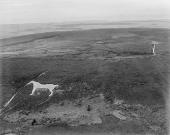 White Horse and Hunter's Lodge, Mormond Hill.  Oblique aerial photograph taken facing north.