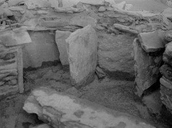 Excavation photograph: House 2,  detail of wall recesses at E. end.