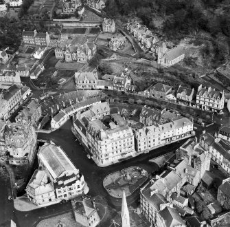 Oban, general view, showing Royal Hotel, Argyll Square and Oban Free High Church, Rockfield Road.  Oblique aerial photograph taken facing east.