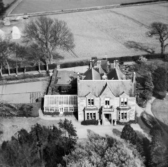The Elms, Scroggie Meadow, Annan.  Oblique aerial photograph taken facing east.