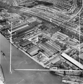 Glasgow, general view, showing Mechans Ltd. Scotstoun Ironworks, South Street and Earl Street.  Oblique aerial photograph taken facing north.  This image has been produced from a crop marked negative.