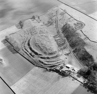 Oblique aerial view of the remains of the fort at The Chesters, Drem.