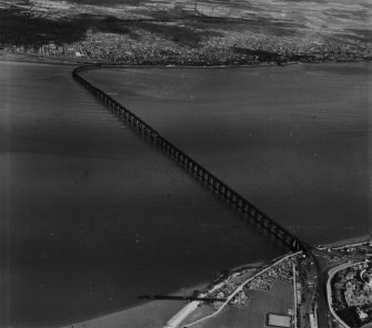 Tay Bridge, Dundee.  Oblique aerial photograph taken facing north.  This image has been produced from a print.