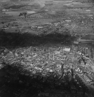 Falkirk, general view, showing Falkirk Old Parish Church, High Street and Grahams Road.  Oblique aerial photograph taken facing north.  This image has been produced from a print.