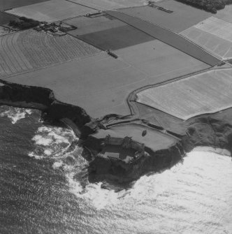 Tantallon Castle.  Oblique aerial photograph taken facing south-west.  This image has been produced from a print.
