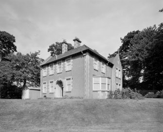 Woodend house (Commanders' tied married quarters), view from South West