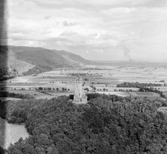 Wallace Monument Logie, Stirlingshire, Scotland. Oblique aerial photograph taken facing East.