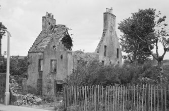 View of the remains of Manor House, Kirkland, Methil, from road.