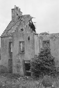 View of remains of the facade to road, Manor House, Kirkland, Methil.