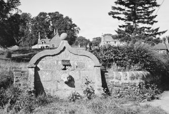 General view of Dog Head Well, Highlandman's Park, Muthill