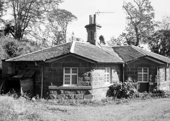 Ochtertyre House, Mid Lodge. General view.
