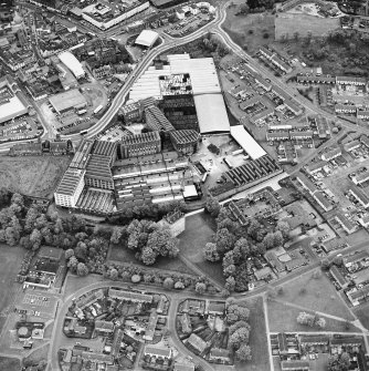 Oblique aerial view centred on Alloa Tower and Kilncraigs Mill, taken from the S