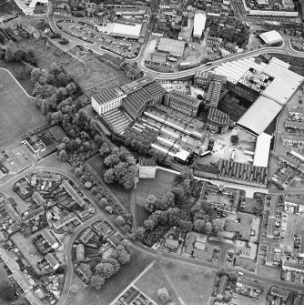 Oblique aerial view centred on Alloa Tower and Kilncraigs Mill, taken from the SSE