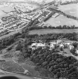 Oblique aerial view centred on Craig House, Old Craig House, South Craig Villa, Bevan House, East Craig and Queen's Craig, and part of Craiglockhart area of Edinburgh