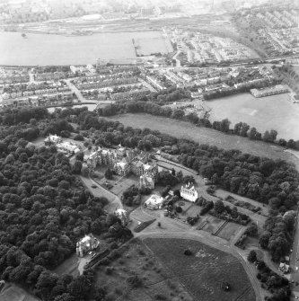 Oblique aerial view centred on Craiglockhart area, also showing Craig House, Old Craig House, South Craig Villa, Bevan House, East Craig and Queen's Craig