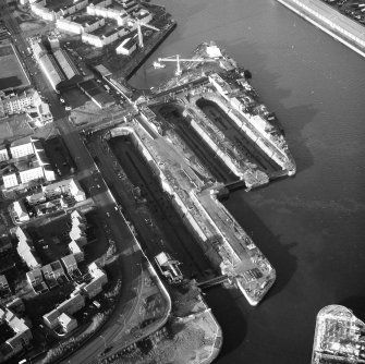 Glasgow, 18 Clydebrae Street, Govan Graving Docks. Oblique aerial view from S-S-E.