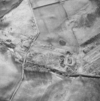 Oblique aerial centred on the remains of the anti-aircraft battery, taken from the NE.