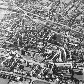 General oblique aerial view centred on the SE area of the town, taken from the ESE.