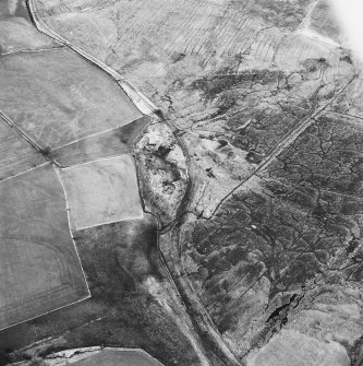 Haywood Colliery, Tashieburn and Greenbank, oblique aerial view, taken from the WNW, showing Haywood coal mine with adjoining railway in the centre of the photograph, Tashieburn coal mine at the bottom edge, and an area of rig at Greenbank in the top right-hand corner.
