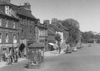 General view of High Street, Musselburgh, from W, showing the Mercat cross.