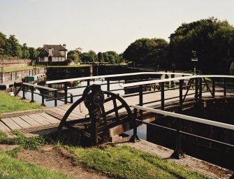 Bridge, inner basin and lock-keepers' cottage, view from WNW