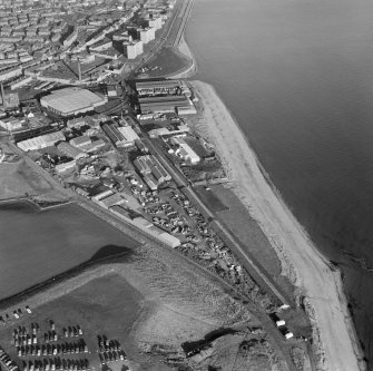 Oblique aerial view centred on Forth and Clyde Roperie, Kirkcaldy, from south.