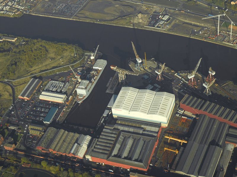 Oblique aerial view centred on the shipyard, taken from the SSE.