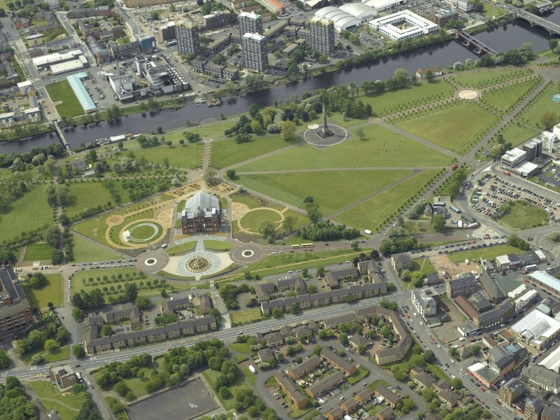 General oblique aerial view of Glasgow Green centred on the museum, taken from the ENE.