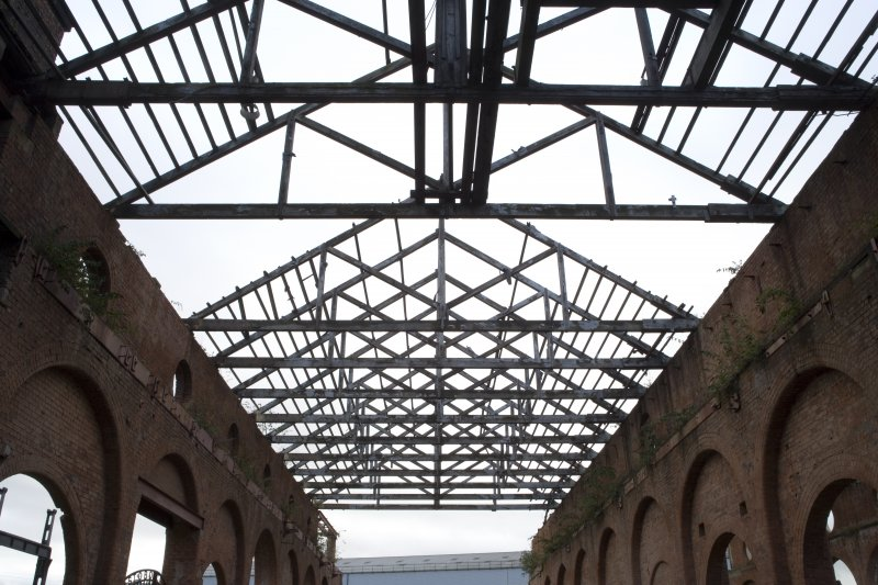 Interior. View of king-post timber roof, heavy machine shop (former erecting shop)