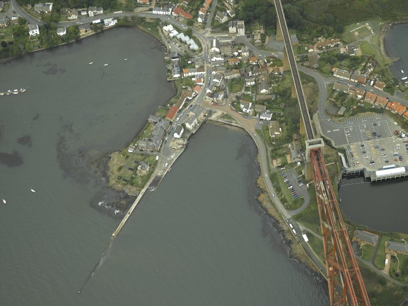 Oblique aerial view centred on the pier and the hotel, taken from the S.