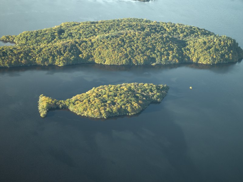 General oblique aerial view centred on the remains of the crannog and the islands, taken from the SE. Clairinsh, Loch Lomond.