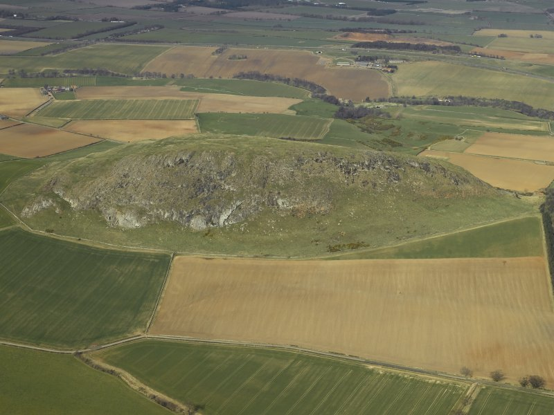 Oblique aerial view centred on the remains of the fort, taken from the SE.