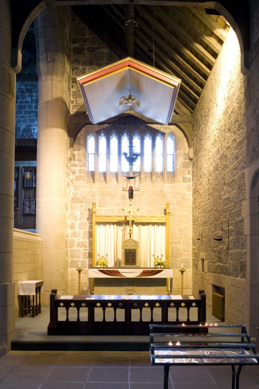 Interior. E side chapel, view from SW