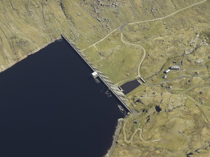 Oblique aerial view centred on the dam, taken from the W.