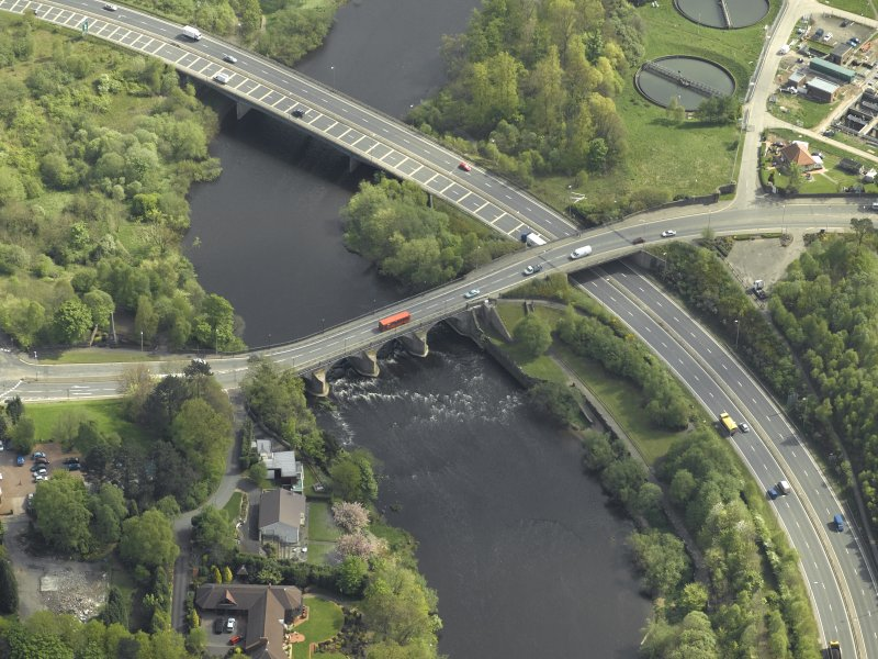 Oblique aerial view centred on the bridge, taken from the WSW.