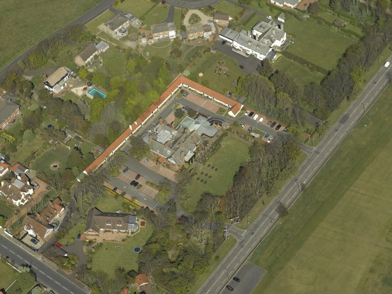 Oblique aerial view centred on Craigend House Hotel, taken from the SW.