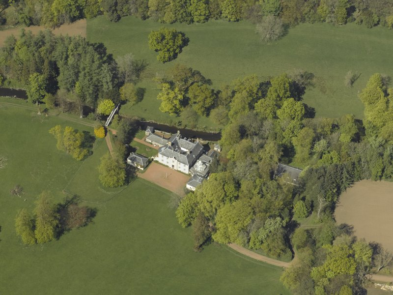 Oblique aerial view centred on Annick Lodge, taken from the S.