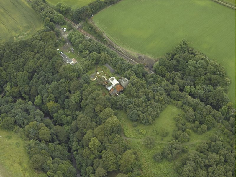 Oblique aerial view centred on the mine, taken from the SSW.